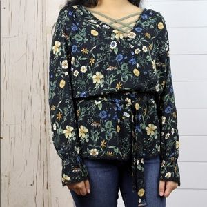 DEX 3/4 Sleeve Floral Blouse w French cuff